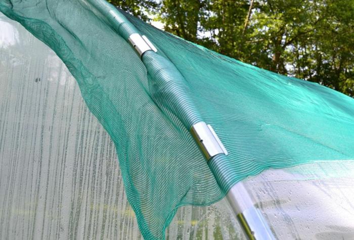 par exemple c'est un voile d'ombrage pour serre de jardin
