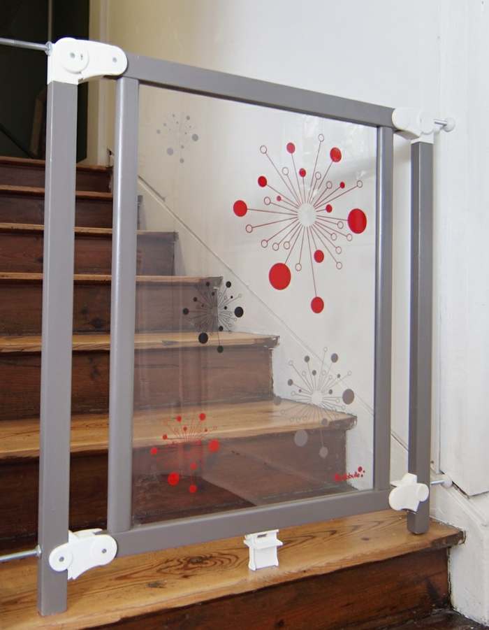 barri re escalier d couvrez les possibilit s pour s curiser votre escalier. Black Bedroom Furniture Sets. Home Design Ideas