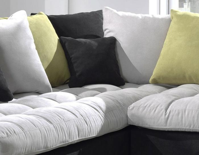 comment nettoyer un canapé en tissu avec tahces différentes