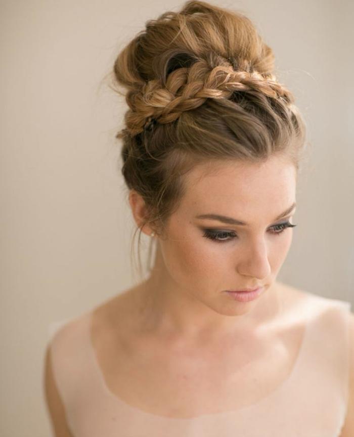chignon-et-tresse-coiffure-mariage