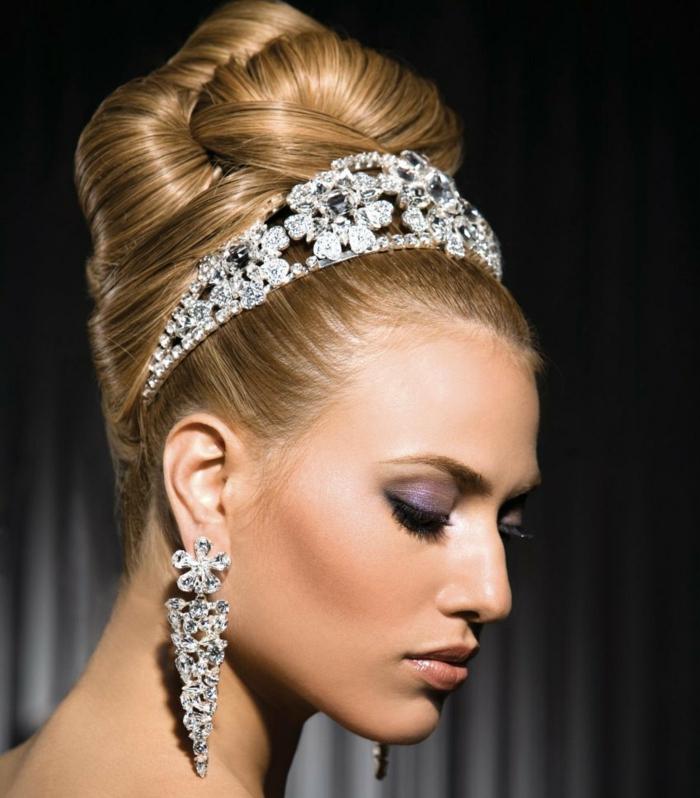accessoire couronne,coiffure mariage femme - idées en photos pour vous inspirer