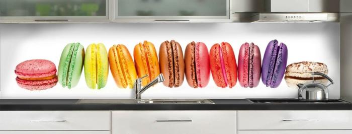 crédance en plastique motifs macarons