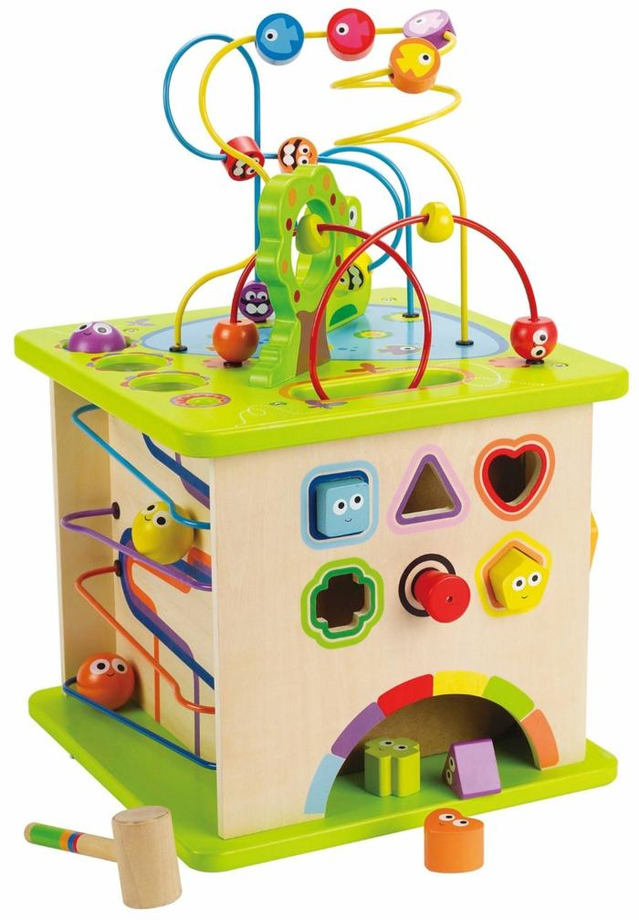 cube d'activités jouet en bois