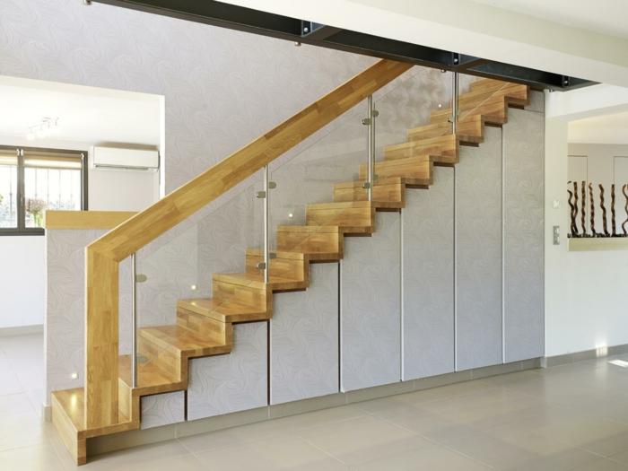 par exemple c'est un escalier en bois traditionnel