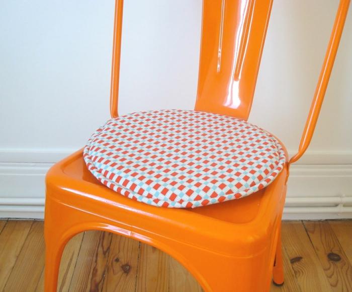 galette de chaise importez des couleurs dans votre. Black Bedroom Furniture Sets. Home Design Ideas