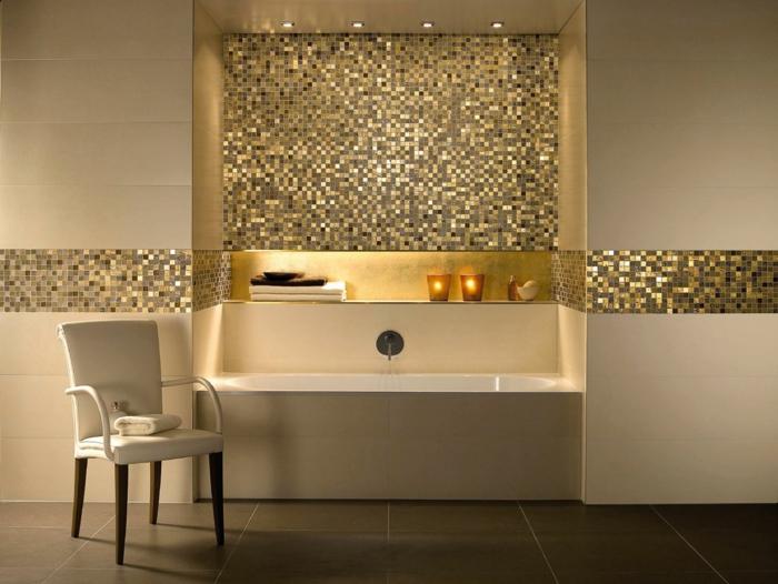 niche dans le mur de la salle de bain