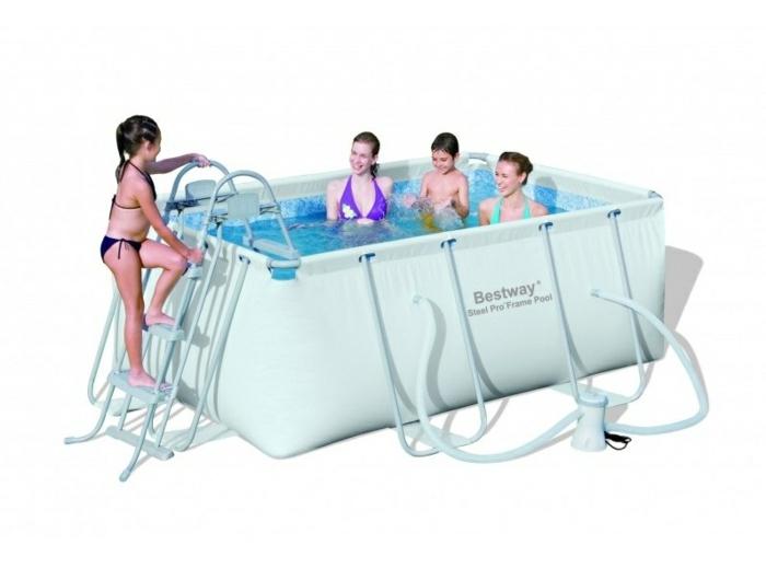 par exemple c'est une piscine rectangulaire tubulaire pour enfants avec filtration à cartouche