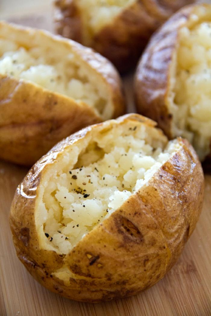 recette pommes de terre au four avec beurre délicieuse