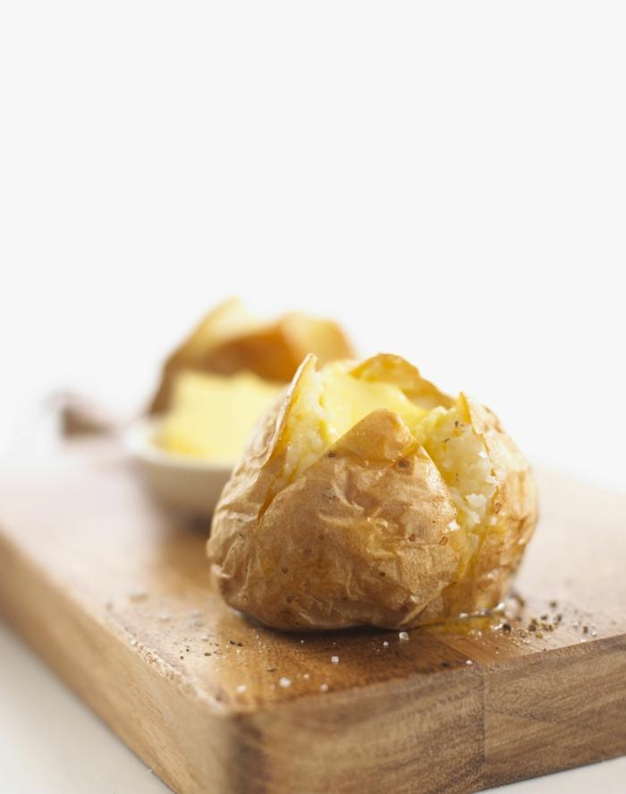 très facile recette pommes de terre au four avec beurre