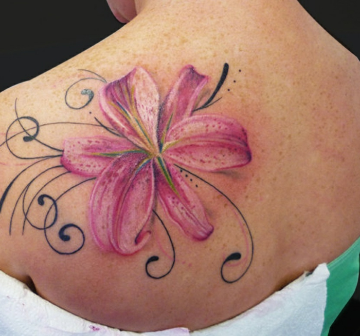 belle lys tatouage