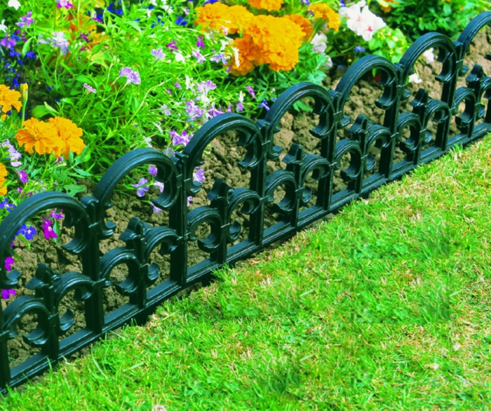 Bordures de jardin id es comment am nager vos all es et for Bordure metal pour jardin
