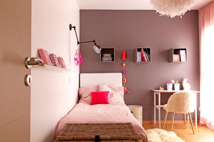 couleur taupe, rose et orange pour la chambre enfant