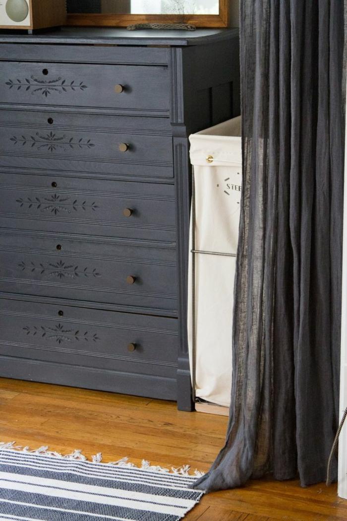 mod les de panier linge pour une d coration tendance. Black Bedroom Furniture Sets. Home Design Ideas