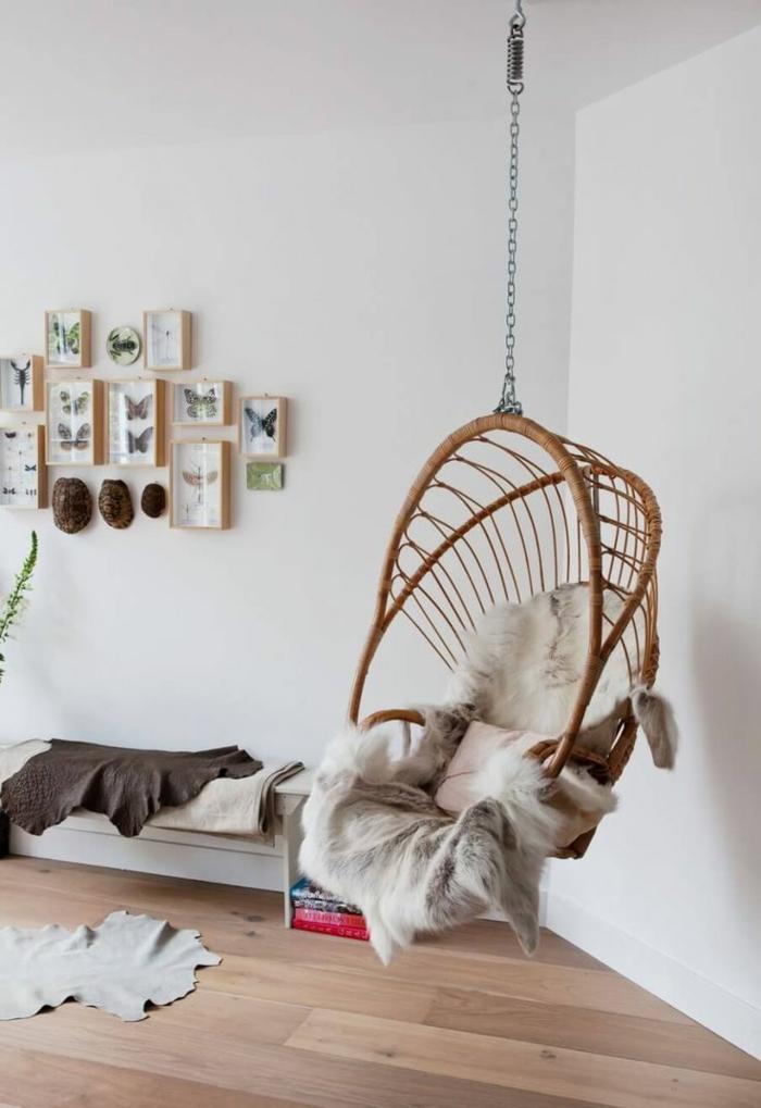 idées déco salon pour un intérieur moderne et relaxante avec un fauteuil suspendu
