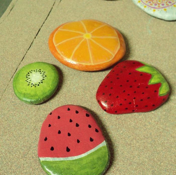 peinture sur galets fruits