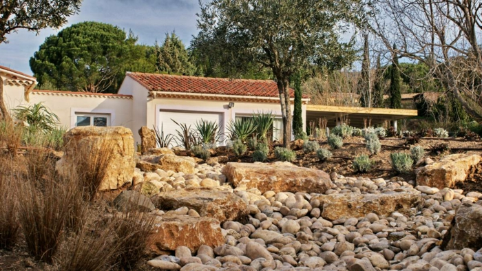 jardin rocaille grandes pierres