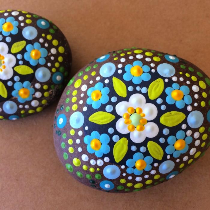 fleurs peinture sur galets