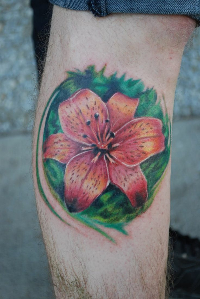 lys tatouage homme