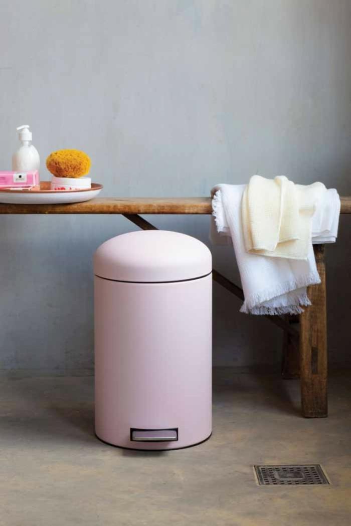 comment choisir une poubelle cuisine pratique et tendance. Black Bedroom Furniture Sets. Home Design Ideas