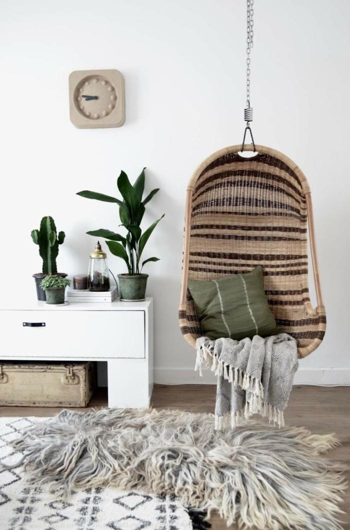 idées pour déco salon avec un fauteuil suspendu