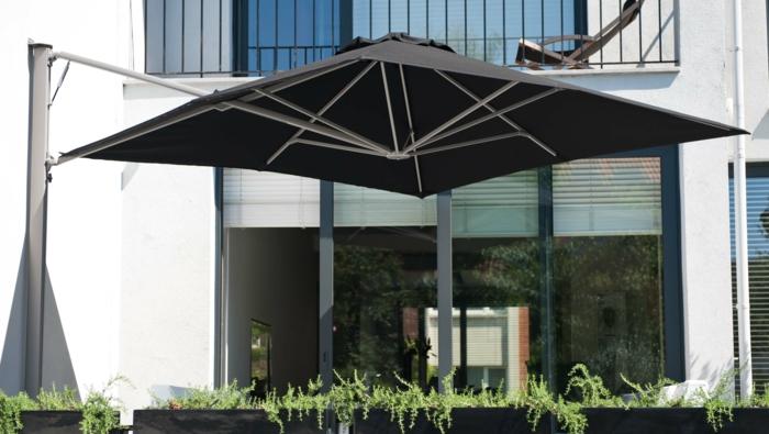 store pour balcon appartement top de nombreuses sont possibles comme le montrent les photos. Black Bedroom Furniture Sets. Home Design Ideas
