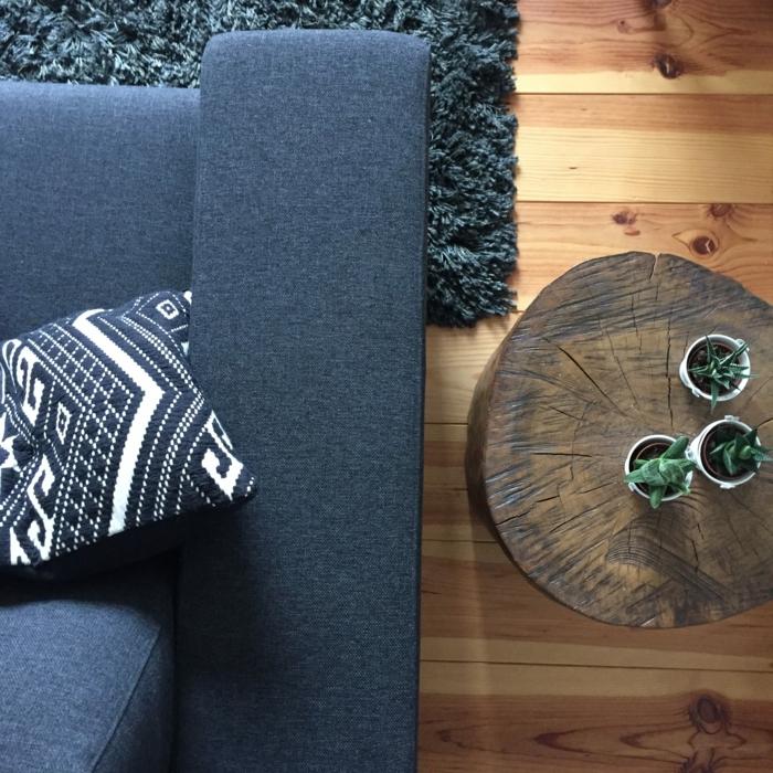 tronc arbre pour une table de chevet