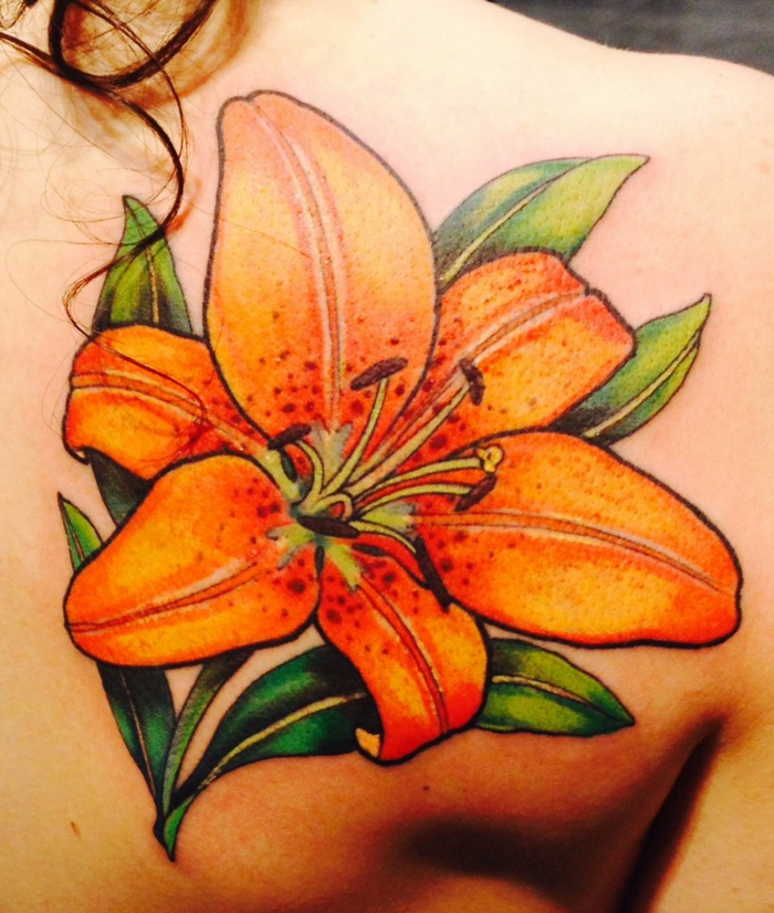 tatouage lys orange