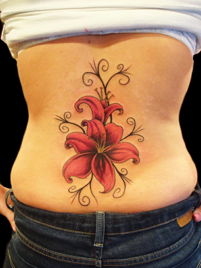 tatouage modèle fleur de lys