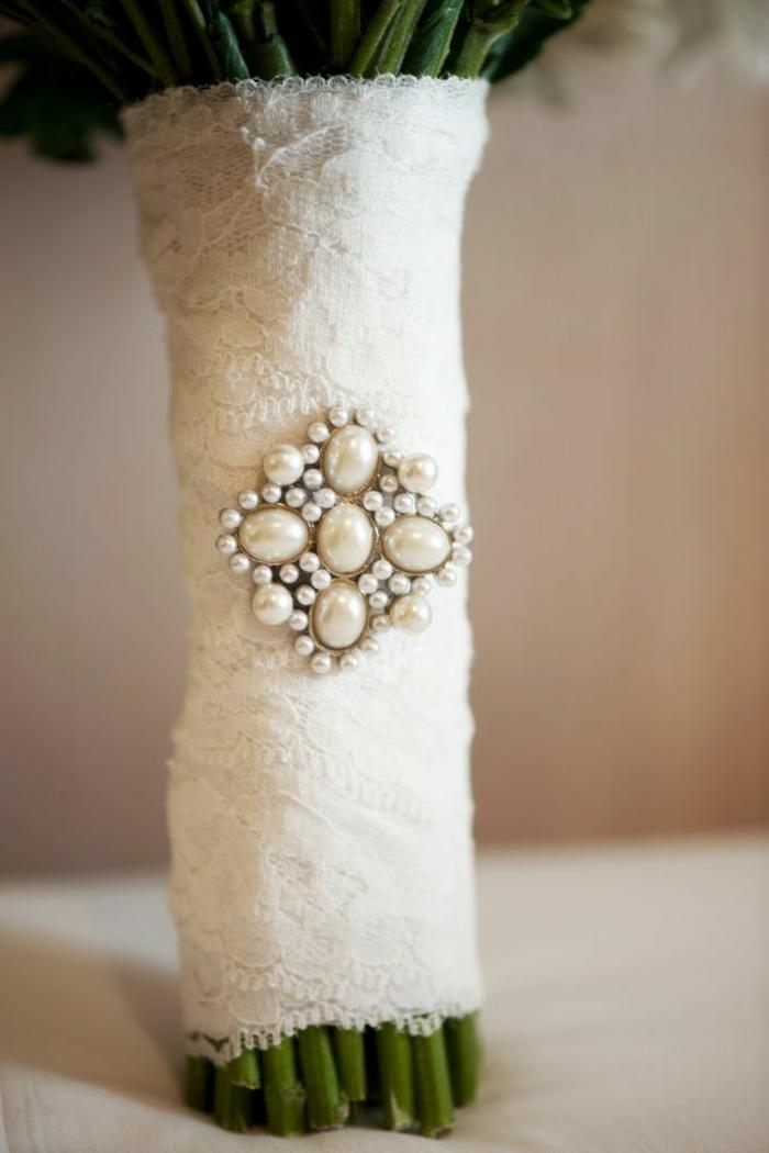 bouquet avec dentellepour une décoration tendance
