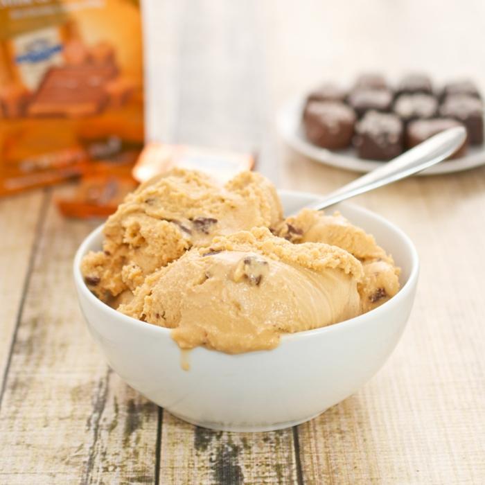 caramel au beurre salé glace avec chocolat