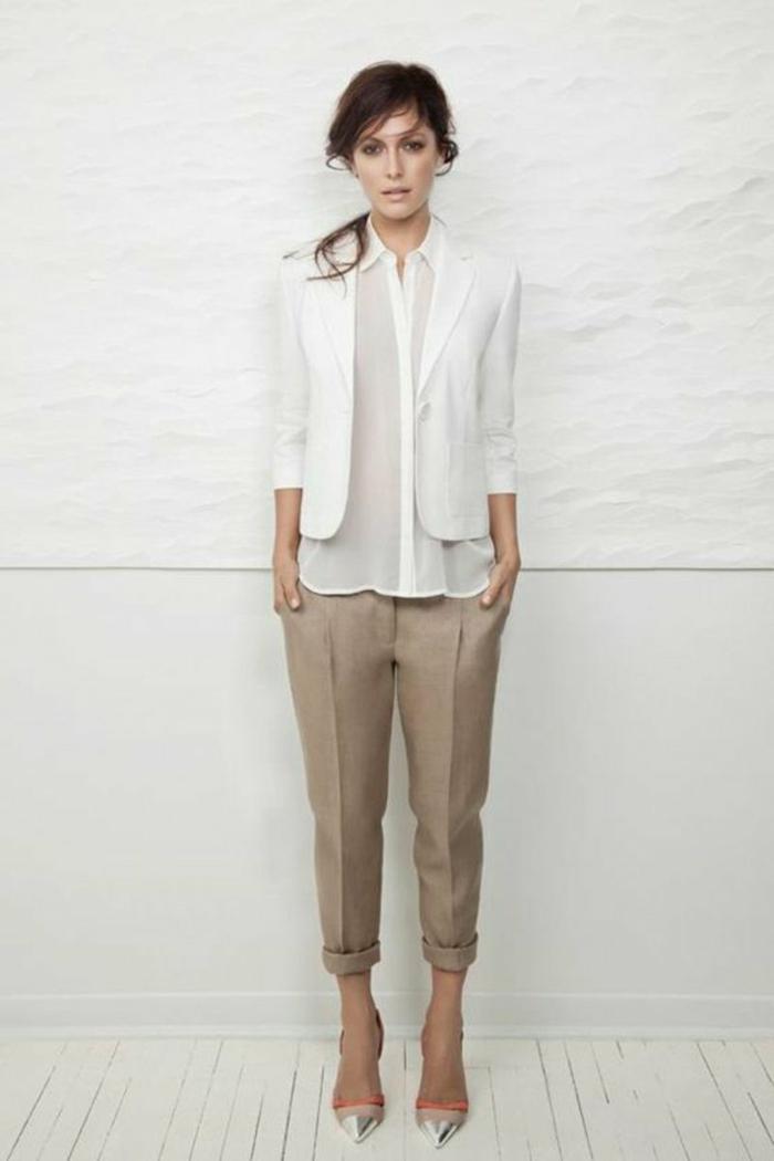 chemise blanche femme et pantalon