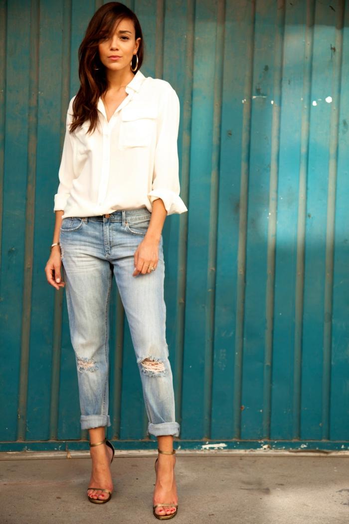 combiner le boyfriend jean et la chemise blanche femme
