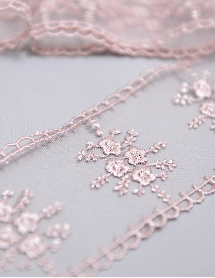 décoration tendance dentelle en rose