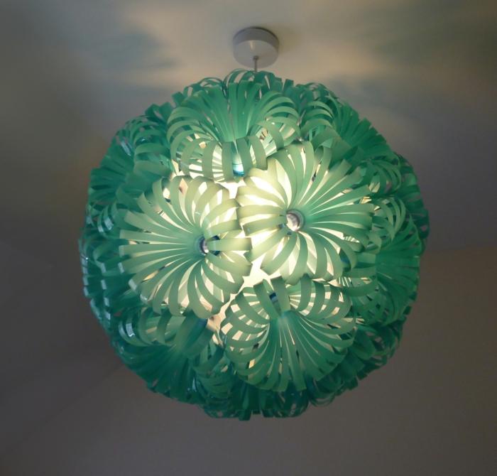 décorer les lampes -bouteille plastique
