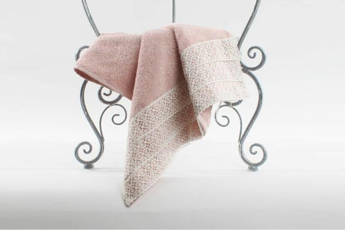 drap de bain-décoration tendance avec dentelle