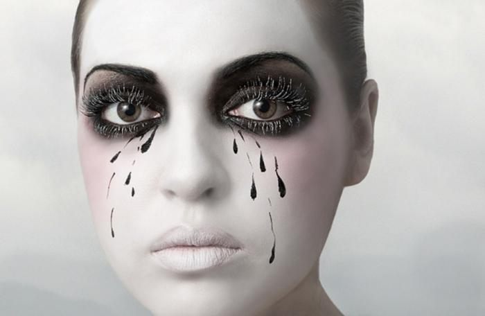 un maquillage Halloween femme intéressant
