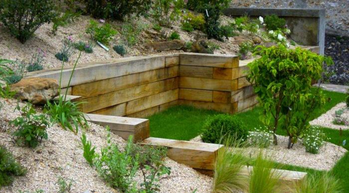 jardin en pente murets de bois