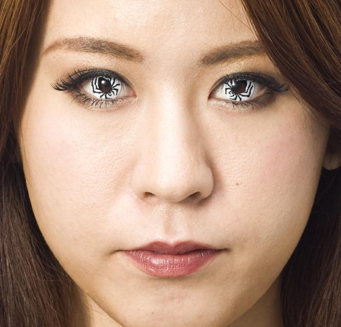 lentilles de contact- une idée maquillage halloween femme