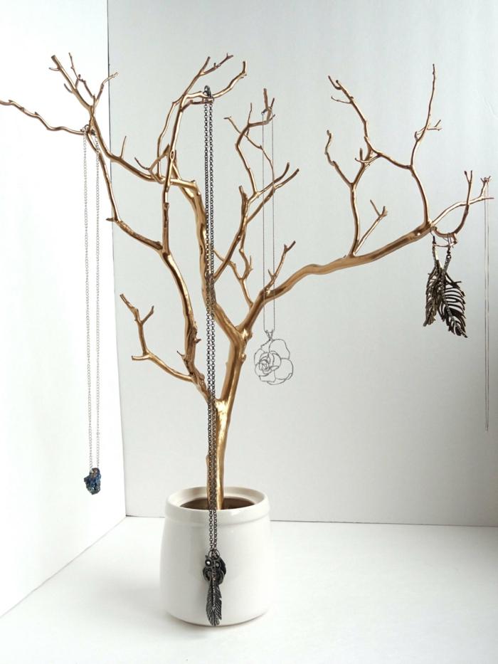 rangement bijoux doré en forme arbre