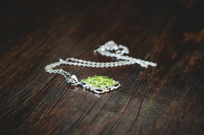 rangement bijoux pour les colliers