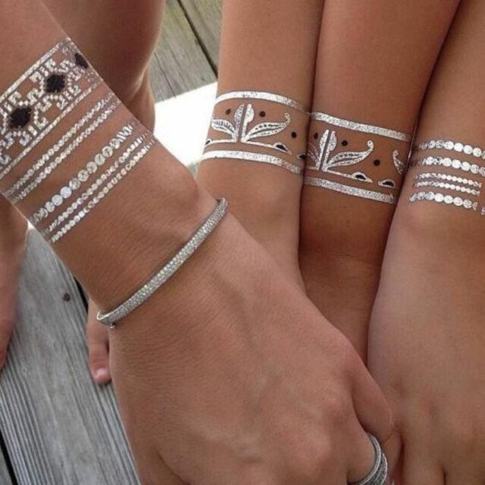 tatouage argenté éphémère pour les amis
