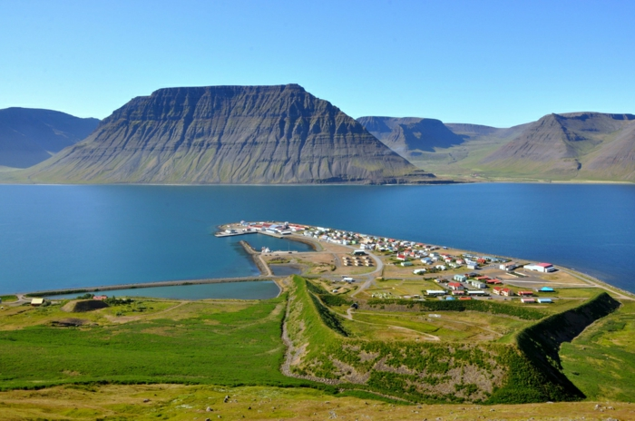 Flateyri voyager en Islande