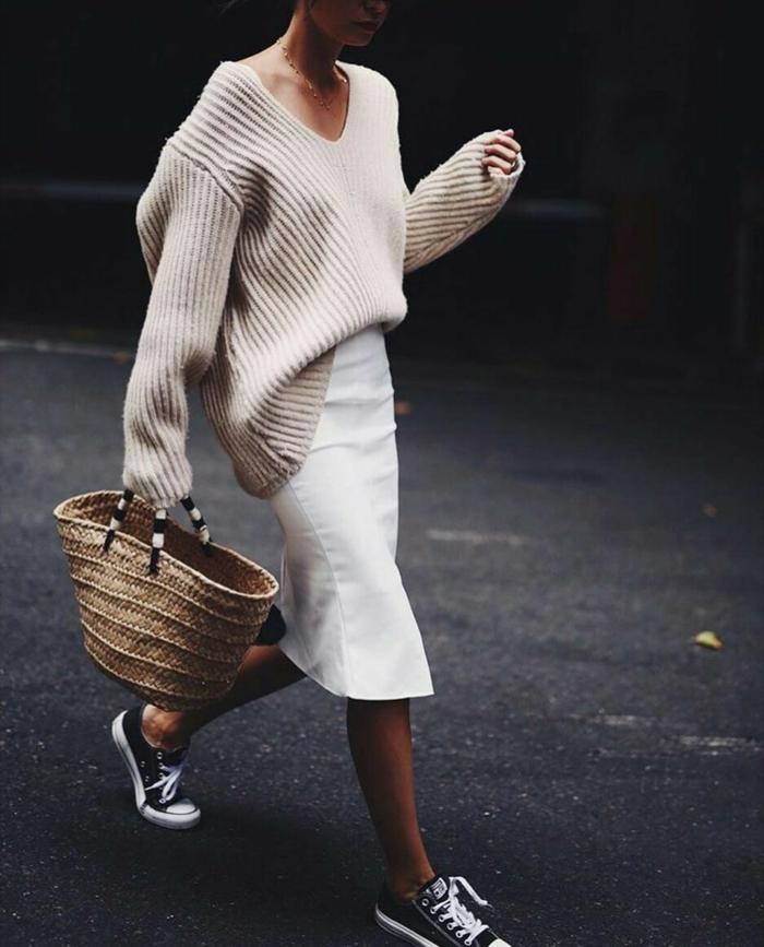 baskets et pull oversize