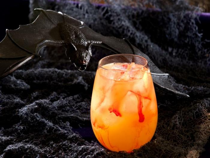 cocktail vampire halloween