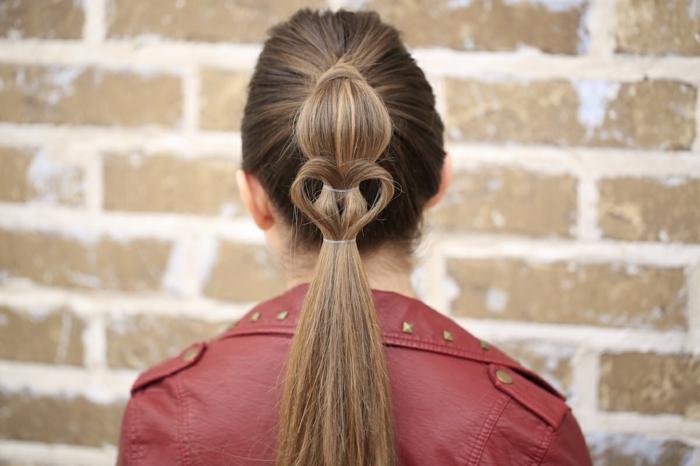 coiffure petite fille unique et facile à faire