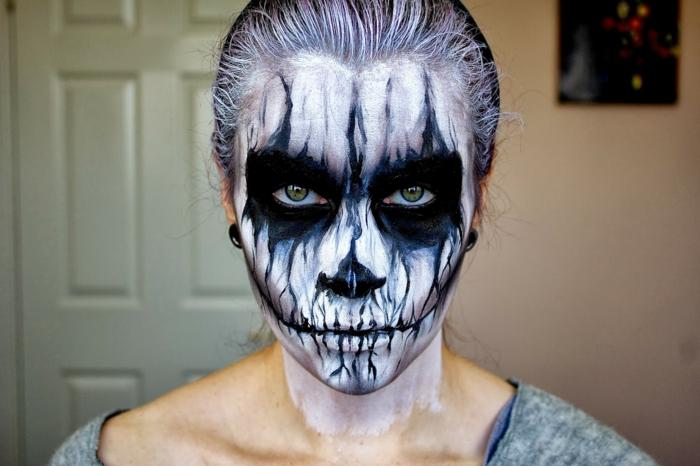maquillage halloween démon