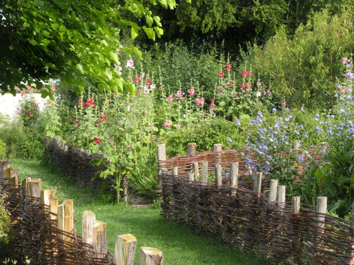 plates-bandes jardin médiéval