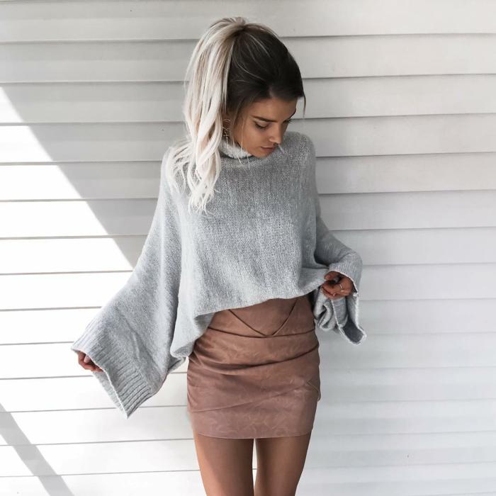 pull oversize avec une jupe