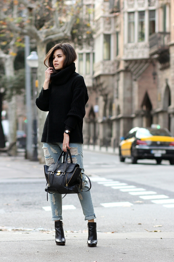 pull oversize et jean combinaison