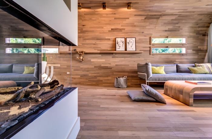 salon moderne avec parquet stratifié